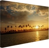 Palmbomen bij zonsondergang Canvas 80x60 cm - Foto print op Canvas schilderij (Wanddecoratie)
