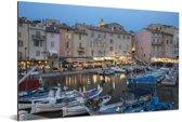 De haven van Saint-Tropez tijdens schemering in Frankrijk Aluminium 180x120 cm - Foto print op Aluminium (metaal wanddecoratie) XXL / Groot formaat!
