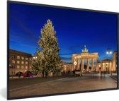 Foto in lijst - De Brandenburger Tor in Duitsland tijdens de kerstdagen fotolijst zwart 60x40 cm - Poster in lijst (Wanddecoratie woonkamer / slaapkamer)