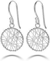 Twice As Nice Oorbellen in zilver, gevlochten cirkel
