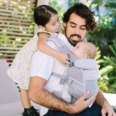 Ergobaby Adapt - Cool Air Mesh Pearl Grey - ergonomische draagzak vanaf de geboorte zonder verkleinkussen