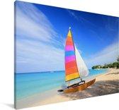 Zeilboot op het Caribische strand van Barbados Canvas 30x20 cm - klein - Foto print op Canvas schilderij (Wanddecoratie woonkamer / slaapkamer)