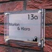 Naambordje voordeur! - Modern naambord van 2 lagen acrylglas Frosted-look - 20x15 cm