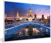 Foto in lijst - Zonsondergang bij de St Paul's Cathedral in Londen fotolijst wit 60x40 cm - Poster in lijst (Wanddecoratie woonkamer / slaapkamer)
