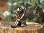 Bronzen Beeld: Zittende fee met vlinder