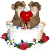 Charming Tails: Being With You Is A Celebration Of Love, Hoogte 9.5cm