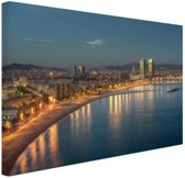 Strand van Barcelona Canvas 120x80 cm - Foto print op Canvas schilderij (Wanddecoratie woonkamer / slaapkamer) / Steden Canvas Schilderijen