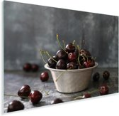 Antieke schaal tot de nok toe gevuld met zoete kersen Plexiglas 90x60 cm - Foto print op Glas (Plexiglas wanddecoratie)