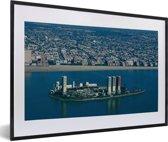 Foto in lijst - Olieplatformen bij Longbeach in de Amerikaanse staat Californië fotolijst zwart met witte passe-partout 60x40 cm - Poster in lijst (Wanddecoratie woonkamer / slaapkamer)