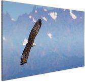 FotoCadeau.nl - Adelaar voor bergen Aluminium 30x20 cm - Foto print op Aluminium (metaal wanddecoratie)
