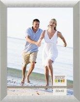 Deknudt Frames S023D1 Brede zilverkleurige fotolijst in aluminum voor fotomaat 13x18 cm