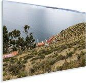 Uitzicht op water en haven op Isla del Sol Bolivia Plexiglas 120x80 cm - Foto print op Glas (Plexiglas wanddecoratie)