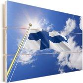 Vlag van Finland op een zonnige dag Vurenhout met planken 90x60 cm - Foto print op Hout (Wanddecoratie)