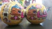 L.O.L. Surprise! Lil Sisters Ball Pop - serie 3 Wave 2 (2 stuks bundel) Gele verpakking.