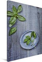 Basilicumbladen op een houten achtergrond Canvas 90x140 cm - Foto print op Canvas schilderij (Wanddecoratie woonkamer / slaapkamer)
