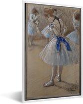Foto in lijst - Dancer - Schilderij van Edgar Degas fotolijst wit 40x60 cm - Poster in lijst (Wanddecoratie woonkamer / slaapkamer)