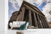 Fotobehang vinyl - Ondersteunende pilaren aan de voorkant van het Pantheon in Rome breedte 540 cm x hoogte 360 cm - Foto print op behang (in 7 formaten beschikbaar)