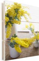 Mimosa bloemen op een bruine ondergrond Vurenhout met planken 60x90 cm - Foto print op Hout (Wanddecoratie)