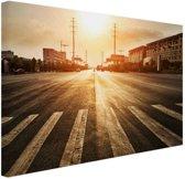 Stedelijke weg bij zonsondergang Canvas 60x40 cm - Foto print op Canvas schilderij (Wanddecoratie)