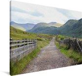 Mooi landweggetje richting de Ben Nevis Canvas 120x80 cm - Foto print op Canvas schilderij (Wanddecoratie woonkamer / slaapkamer)