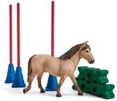 Schleich Slalomparkour met pony 42483 - Paard Speelfigurenset - Farm World - 10 x 25 x 14 cm