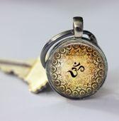 Originele sleutelhanger - Ohm - met henna afwerking - verjaardag cadeau voor hem of haar -