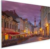 Verlichte straat in het Stadshart van Tallinn in Estland Plexiglas 180x120 cm - Foto print op Glas (Plexiglas wanddecoratie) XXL / Groot formaat!