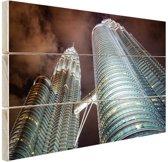 Petronas Towers Kuala Lumpur glow Hout 80x60 cm - Foto print op Hout (Wanddecoratie)