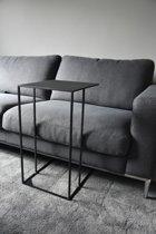 Bank bijzettafel – mat zwart metaal | handig bij de bank of bed - Luxe bijzettafel| Nederlands design, Stainiq ® Minimalistic bijzettafel