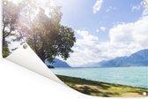 Kamperen bij het Meer van Genève Tuinposter 120x80 cm - Tuindoek / Buitencanvas / Schilderijen voor buiten (tuin decoratie)