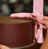 EasyCake - Taart strijker - Recette Pafait - Roze - glazuurspatel - pie smoother - keukengerei - feestartikelen  - Fondant Schraper - taart icing - verstelbaar - Cake egaliseerder - Taartschraper - paletmes