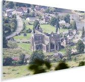 Luchtfoto van de Tintern Abbey en het dorpje Tintern Plexiglas 90x60 cm - Foto print op Glas (Plexiglas wanddecoratie)