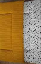 Boxkleed (oker geel/wit/zwarte driehoekjes)