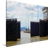 Sluisdeuren van het Panamakanaal in Panama Canvas 80x60 cm - Foto print op Canvas schilderij (Wanddecoratie woonkamer / slaapkamer)