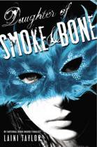 Omslag van 'Daughter of Smoke & Bone'