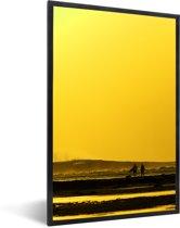 Foto in lijst - Zonsondergang bij het Nationaal park Alas Purwo in Oceanië fotolijst zwart 40x60 cm - Poster in lijst (Wanddecoratie woonkamer / slaapkamer)