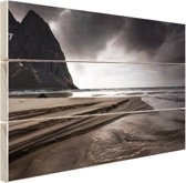 FotoCadeau.nl - Donkere lucht boven strand Hout 80x60 cm - Foto print op Hout (Wanddecoratie)