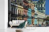 Fotobehang vinyl - Kleurrijke Cubaanse gebouwen in de stad van Havana breedte 390 cm x hoogte 260 cm - Foto print op behang (in 7 formaten beschikbaar)