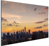 FotoCadeau.nl - Zonsondergang centrum Manhattan Aluminium 90x60 cm - Foto print op Aluminium (metaal wanddecoratie)