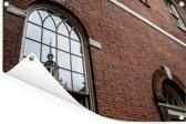 Independence Hall wordt weerspiegeld in het venster van een gebouw Tuinposter 180x120 cm - Tuindoek / Buitencanvas / Schilderijen voor buiten (tuin decoratie) XXL / Groot formaat!