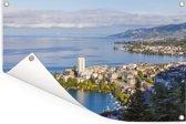 Skyline van Montreux en het Meer van Genève Tuinposter 90x60 cm - Tuindoek / Buitencanvas / Schilderijen voor buiten (tuin decoratie)