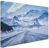 Besneeuwde bergen Canvas 80x60 cm - Foto print op Canvas schilderij (Wanddecoratie)