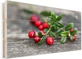 Cranberry's op een tak Vurenhout met planken 90x60 cm - Foto print op Hout (Wanddecoratie)