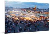 Djemaa El Fna-plein in Marokko bij schemering Aluminium 120x80 cm - Foto print op Aluminium (metaal wanddecoratie)