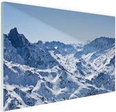Besneeuwde bergen in de winter Glas 180x120 cm - Foto print op Glas (Plexiglas wanddecoratie) XXL / Groot formaat!