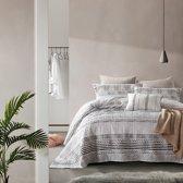Dreamhouse Elegant Stripe - Bedsprei - 180x250 + 1 kussensloop 60x70 - Groen