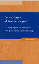 Op De Klippen Of Door De Vaargeul ?