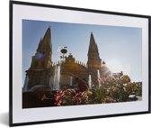 Foto in lijst - Het kathedraal van Guadalajara in Mexico fotolijst zwart met witte passe-partout 60x40 cm - Poster in lijst (Wanddecoratie woonkamer / slaapkamer)