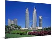 Prachtige bloemen voor de Petronas Towers Aluminium 80x60 cm - Foto print op Aluminium (metaal wanddecoratie)