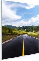 Een weg wat omringt is door het natuurlijke landschap Plexiglas 80x120 cm - Foto print op Glas (Plexiglas wanddecoratie)